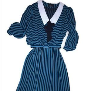 Vintage Pleated A-line dress with belt